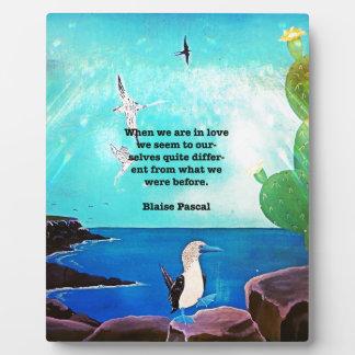 Placa Expositora Cuando estamos en el amor inspirado cite
