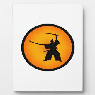 Placa Expositora Dos espadas
