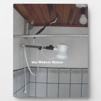 Placa Expositora el fabricante de la viuda