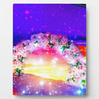 Placa Expositora Estrellas y arco iris de flores en la celebración