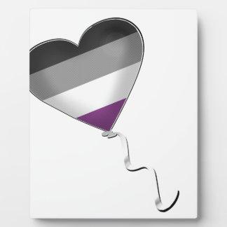Placa Expositora Globo asexual del corazón del orgullo