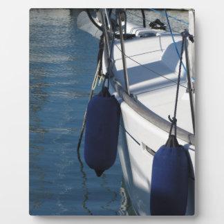 Placa Expositora Lado izquierdo del barco de navegación con dos