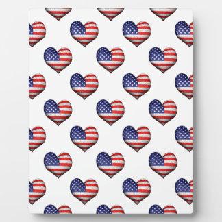 Placa Expositora Modelo en forma de corazón de la bandera del