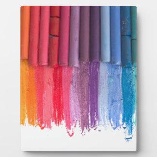 Placa Expositora piense en color