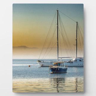 Placa Expositora puesta del sol del lago del mar de los barcos