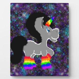 Placa Expositora Unicornio borroso en espacio