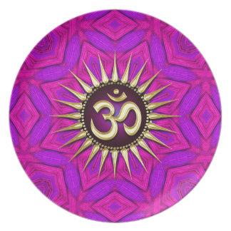Placa geométrica fucsia rosada de oro de la flor d plato de comida