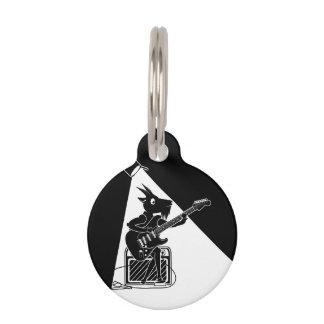 Placa Para Mascotas Cabra blanco y negro que toca la guitarra