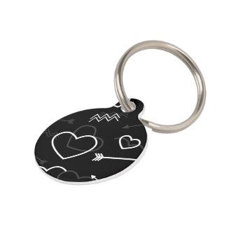 Placa Para Mascotas Corazón y flecha blancos y negros del amor de las