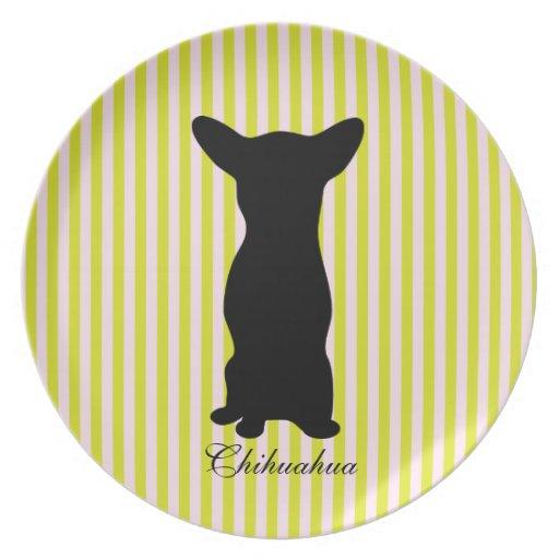 Placa verde y rosada del perro de la chihuahua de  plato de cena