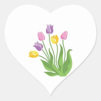 Planta de los tulipanes pegatina en forma de corazón