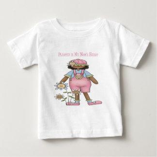 Plantado en el corazón de mi mamá camiseta