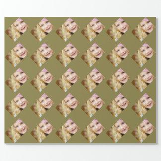 Plantilla especializada de color caqui de la foto papel de regalo