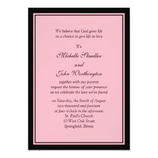 Plantilla rosada y negra simple de la invitación