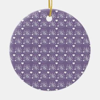Plata de los anillos de bodas en púrpura oscura adornos de navidad