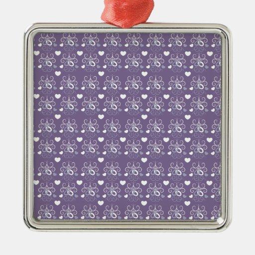 Plata de los anillos de bodas en púrpura oscura ornamente de reyes