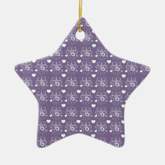 Plata de los anillos de bodas en púrpura oscura ornaments para arbol de navidad