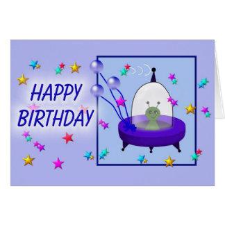 Platillo volante del feliz cumpleaños felicitaciones