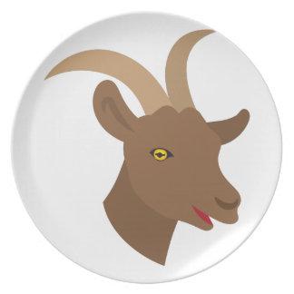 Plato cara linda masculina de la cabra