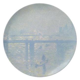 Plato Claude Monet - puente cruzado de Charing. Arte
