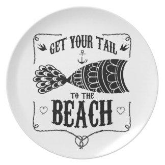 Plato Consiga su cola a la playa