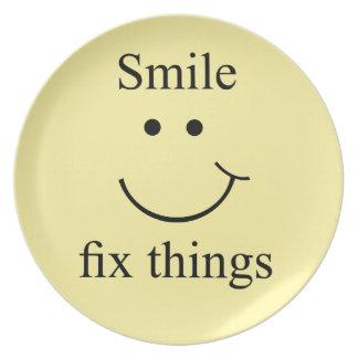 Plato Cosas del arreglo de la sonrisa