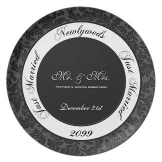 Plato Damasco blanco y negro del recuerdo del boda