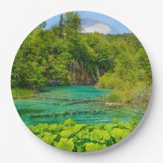 Plato De Papel Cascadas en el parque nacional de Plitvice en