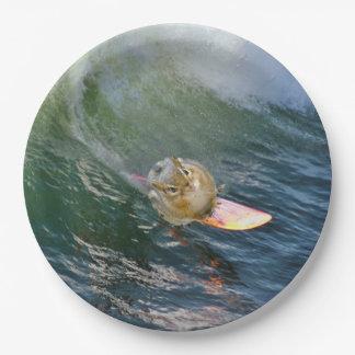 Plato De Papel Chipmunk que practica surf lindo