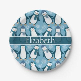 Plato De Papel El diseño lindo de los pingüinos del invierno
