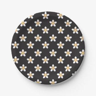 Plato De Papel flor blanca en la placa de papel negra