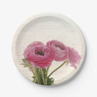 Plato De Papel Flores rosadas del ranúnculo en la escritura