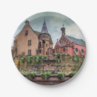 Plato De Papel Fuente de Santo-León en Eguisheim, Alsacia,