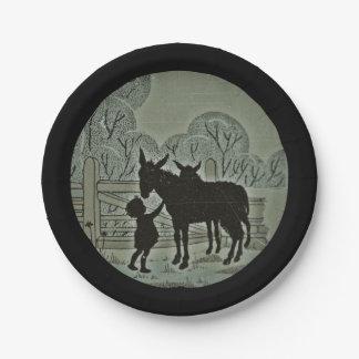 Plato De Papel Niño que acaricia el burro