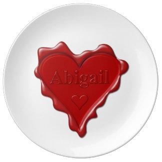 Plato De Porcelana Abigail. Sello rojo de la cera del corazón con