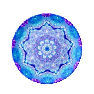 Plato De Porcelana ~ azul del ~ y de color de malva bonito del modelo