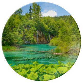 Plato De Porcelana Cascadas en el parque nacional de Plitvice en