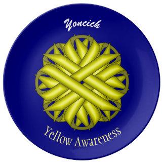 Plato De Porcelana Cinta amarilla de la flor de Kenneth Yoncich