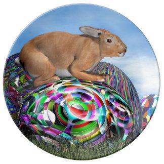 Plato De Porcelana Conejo en su huevo colorido para Pascua - 3D