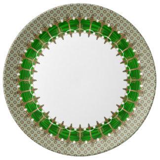 Plato De Porcelana Espadas célticas con la frontera de Vuittonesque