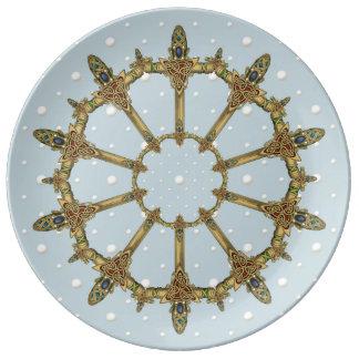 Plato De Porcelana Espadas célticas con las perlas
