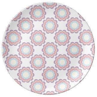 Plato De Porcelana Estampado de plores del color en colores pastel