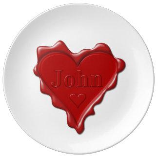 Plato De Porcelana Juan. Sello rojo de la cera del corazón con Juan