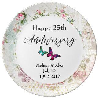 Plato De Porcelana Mariposa rosada y aniversario de los rosas