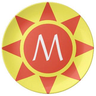 Plato De Porcelana Monograma rubricado brillo amarillo y anaranjado