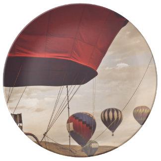 Plato De Porcelana Raza del globo del aire caliente de Reno