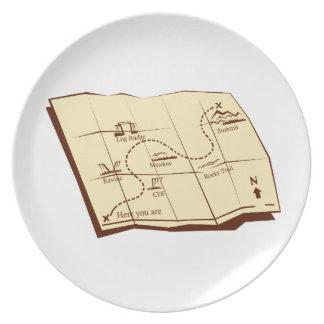 Plato El mapa del rastro con X marca el grabar en madera