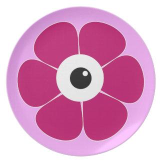 Plato el ojo de la flor rosada