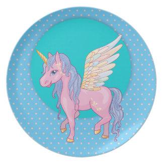 Plato El unicornio lindo con el arco iris se va volando