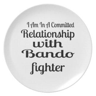 Plato Estoy en una relación confiada con Bando Fighte